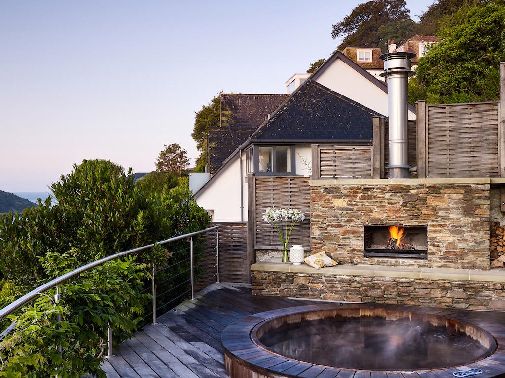 Start House Hot Tub