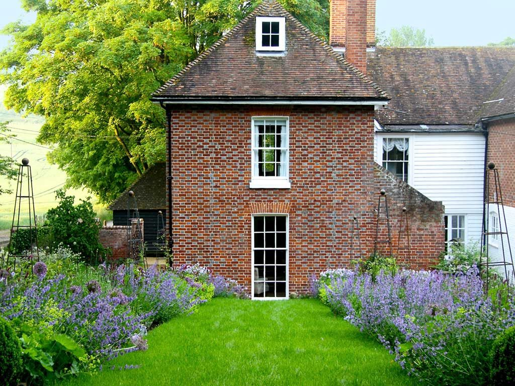 Beautiful Cottage Garden Design