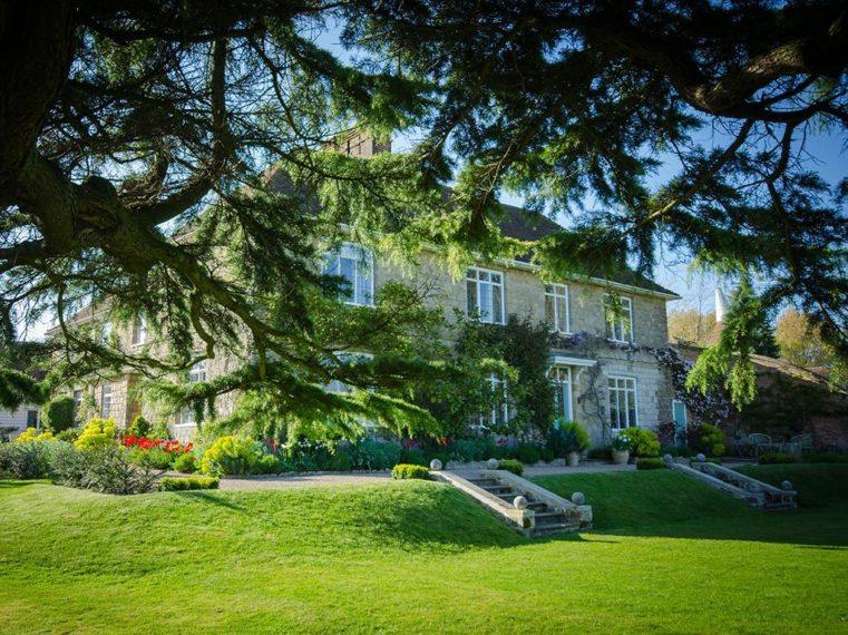Marian Boswall Elegant Garden Design