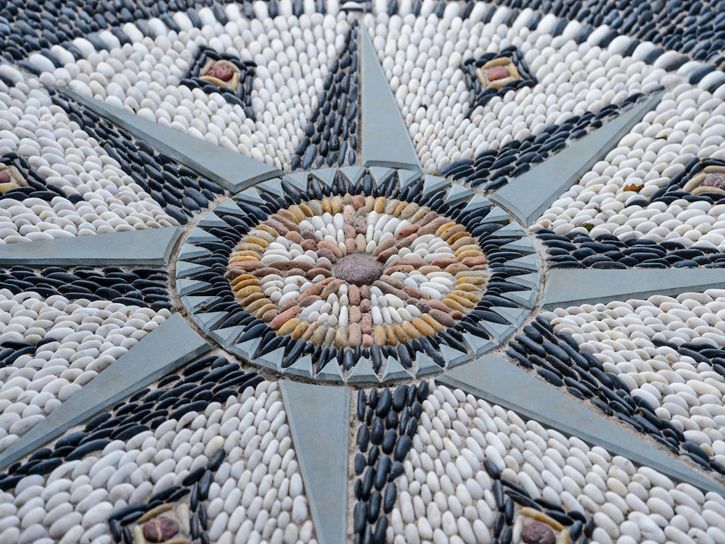 Mosaic Star Courtyard