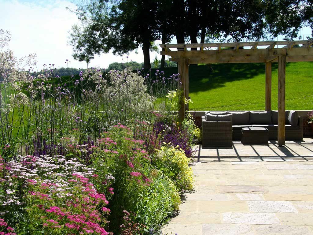 Oak Pergoda Dream Cottage Garden