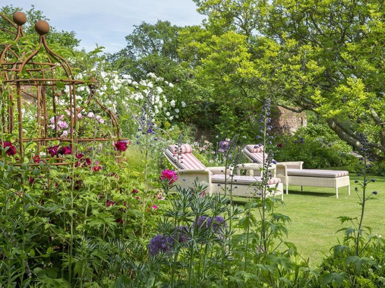 Traditional Gardens By Marian Boswall