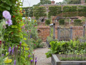 Traditional Kent Garden Design